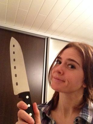 Kvesser kniven: Svenskesvindleren har fått gardskjerringa på nakken. (Bildet er tatt i en annen sammenheng.) Foto: Privat