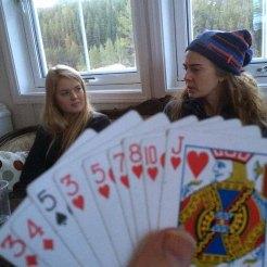 KORT: Det ble tid til litt kortspilling i påska.
