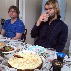 Onkel (og flyttemann) Olav og husbond Rune.